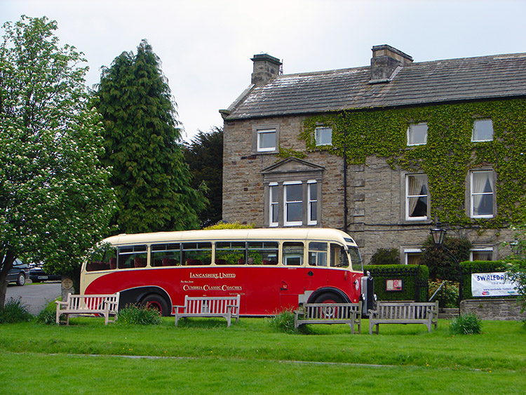 Classic Bus in Reeth