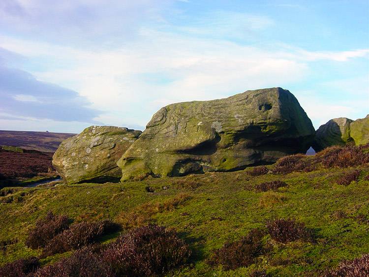 Gritstone boulders on Rocking Moor