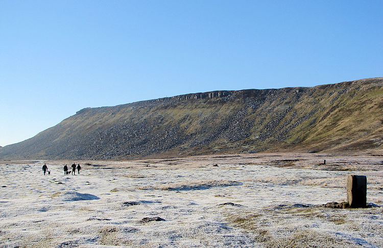 Approaching High Cupgill Head