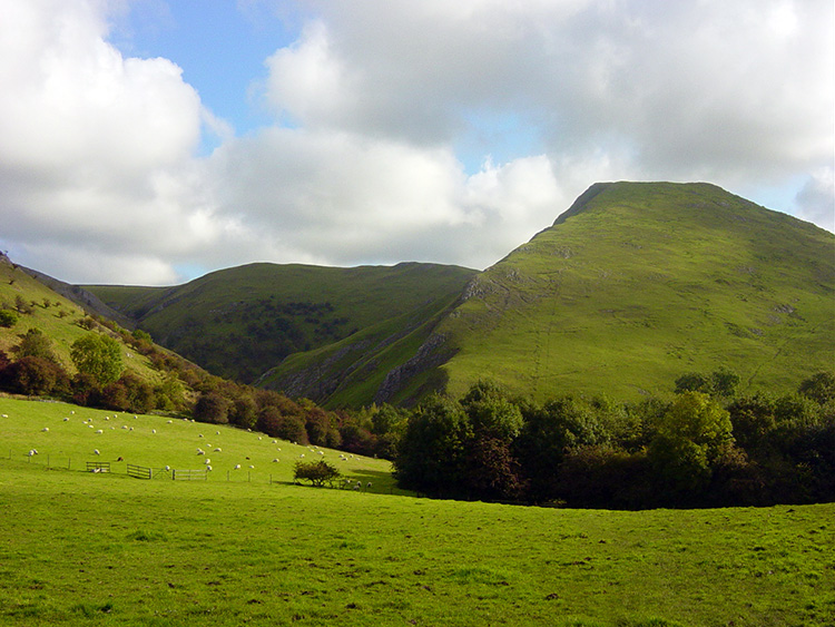 Thorpe Cloud heralds the location of Dove Dale