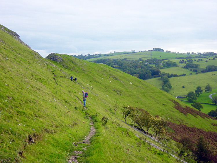 A steep descent from Bunster Hill back into Ilam