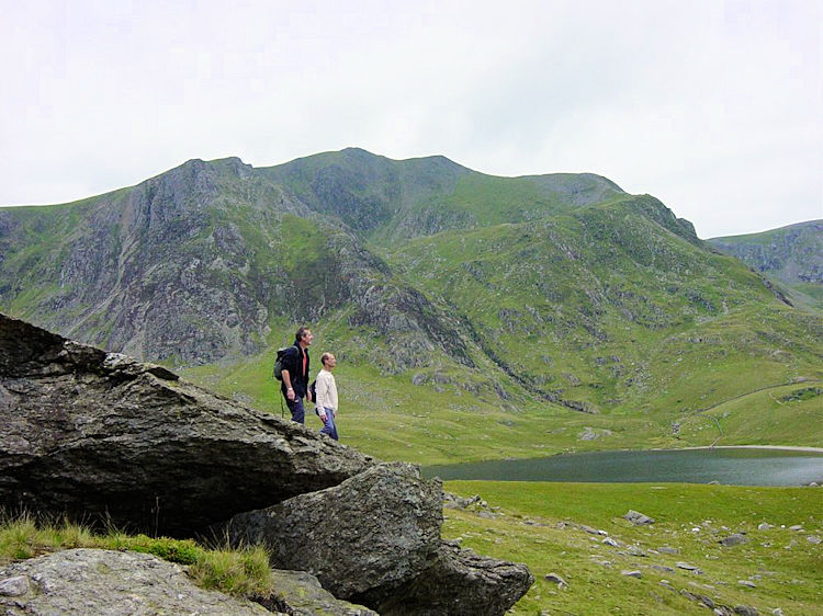 Steve and Dave look over Llyn Idwal to Y Garn