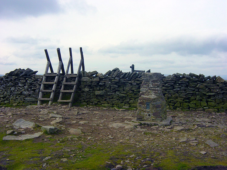 Summit of Pen-y-ghent