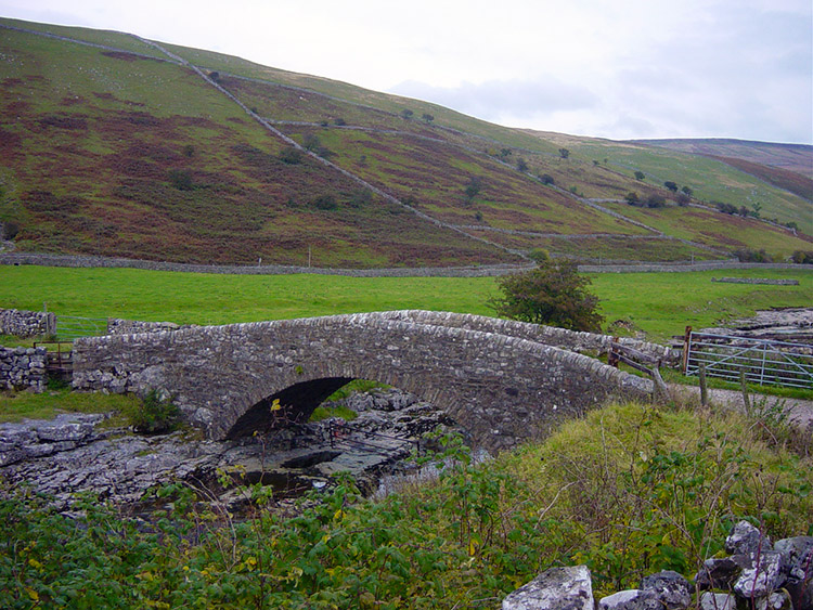 Packhorse Bridge over the River Skirfare near Litton