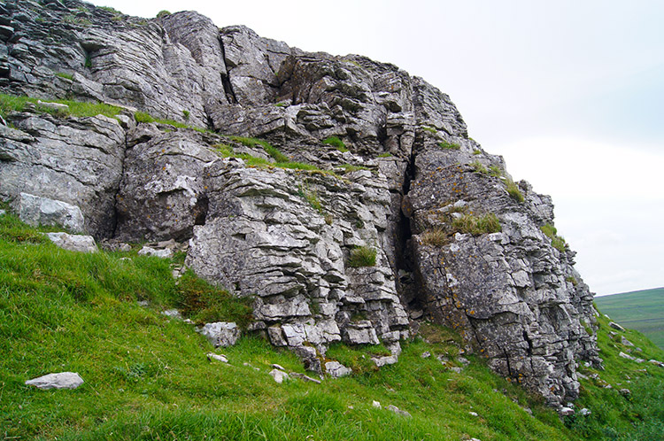 Limestone scar on the west face of Addleborough