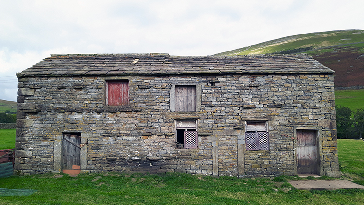 Swaledale Barn near Usha Gap