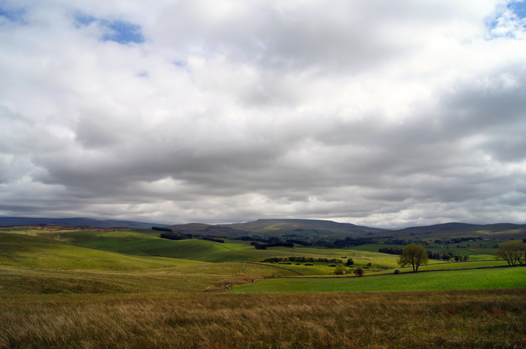 Looking to the Howgill Fells