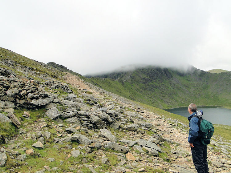 Analysing Striding Edge from Hole in the Wall