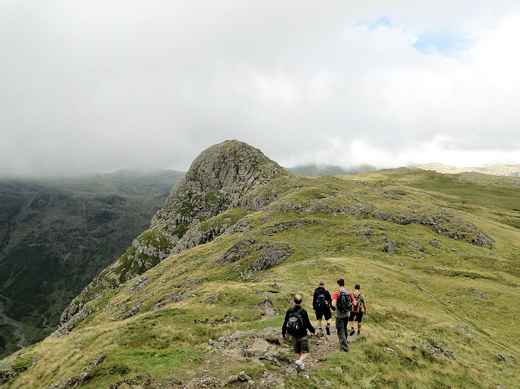 Approaching Pike Howe