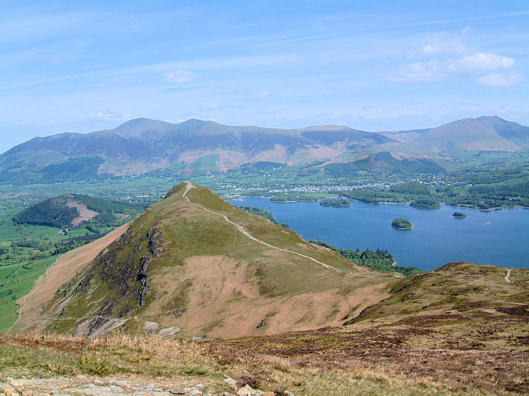 On the saddle of Cat Bells and Maiden Moor