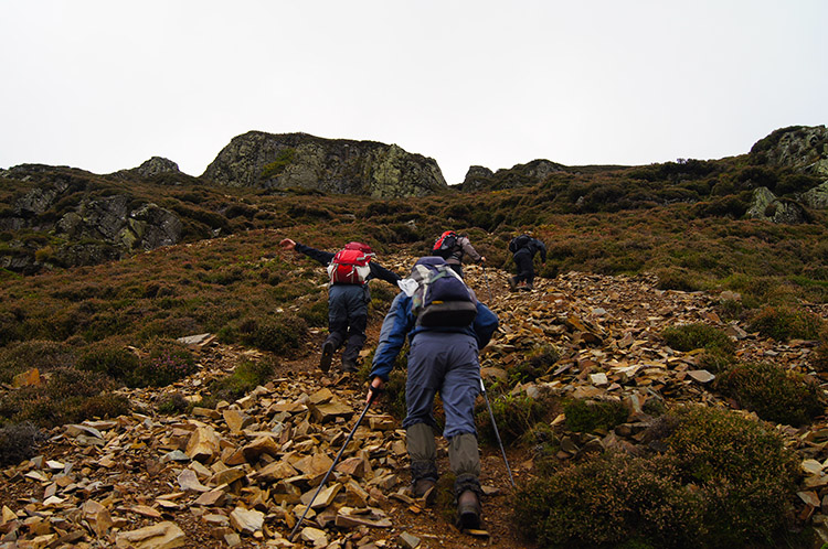 Working hard on the scree slope of Mellbreak