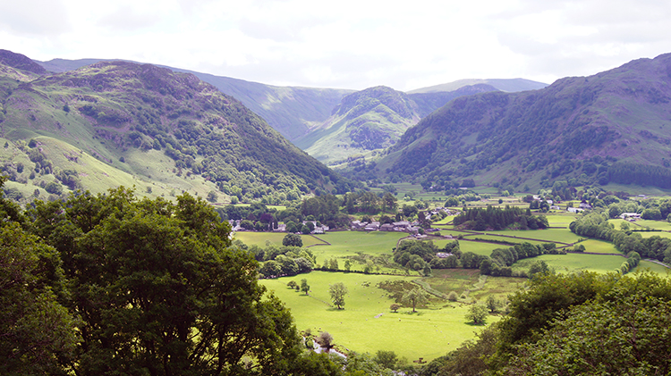 View back to Rosthwaite