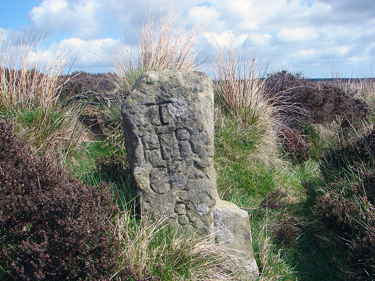 Moorland milepost to Hutton Rudby and Great Ayton