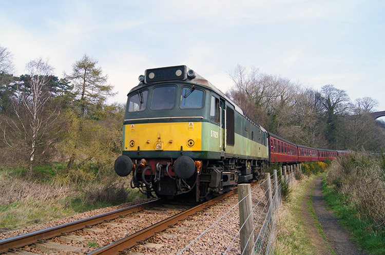 Diesel train on the Whitby line