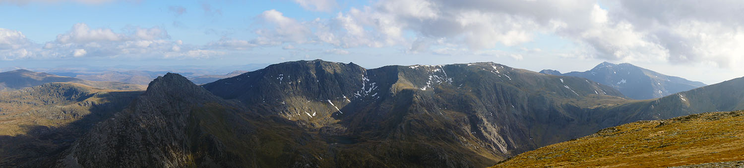 Wow! Tryfan, the Glyders and the Snowdon Massif all fill the shot taken from Carnedd Dafydd
